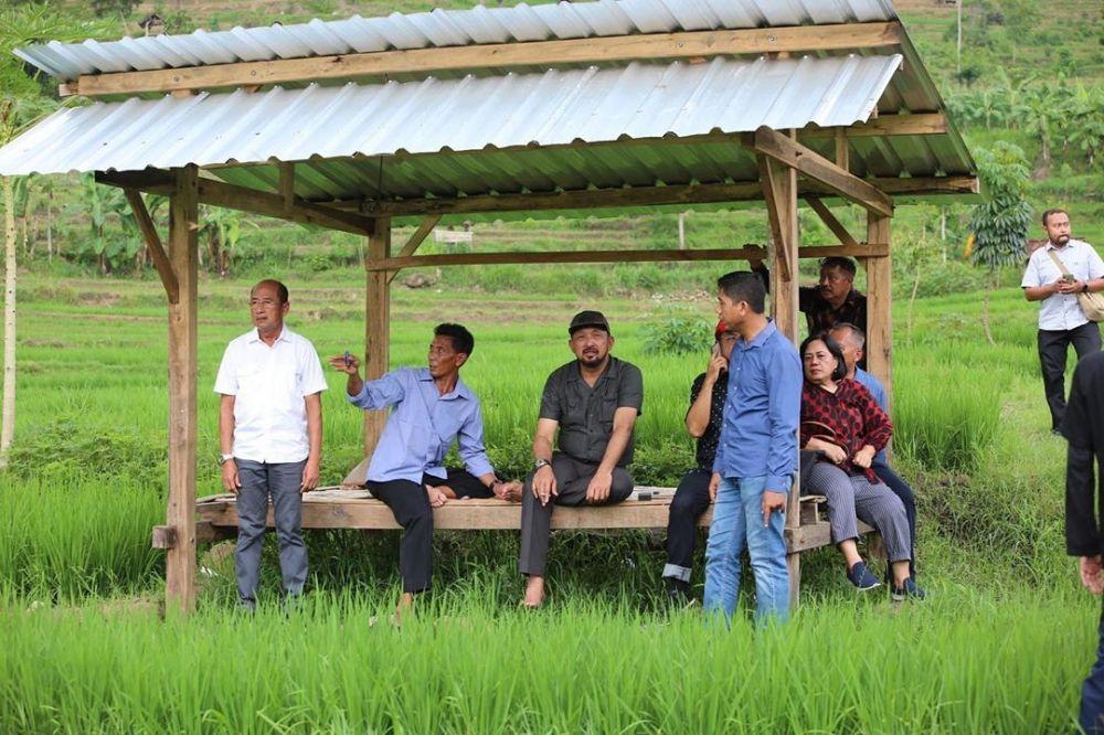 Bupati Ipong saat meninjau lahan relokasi SDN 2 Tugurejo, Ponorogo