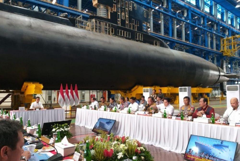 ジョコウィは、プラボオ大臣に国防製品を販売するよう求める