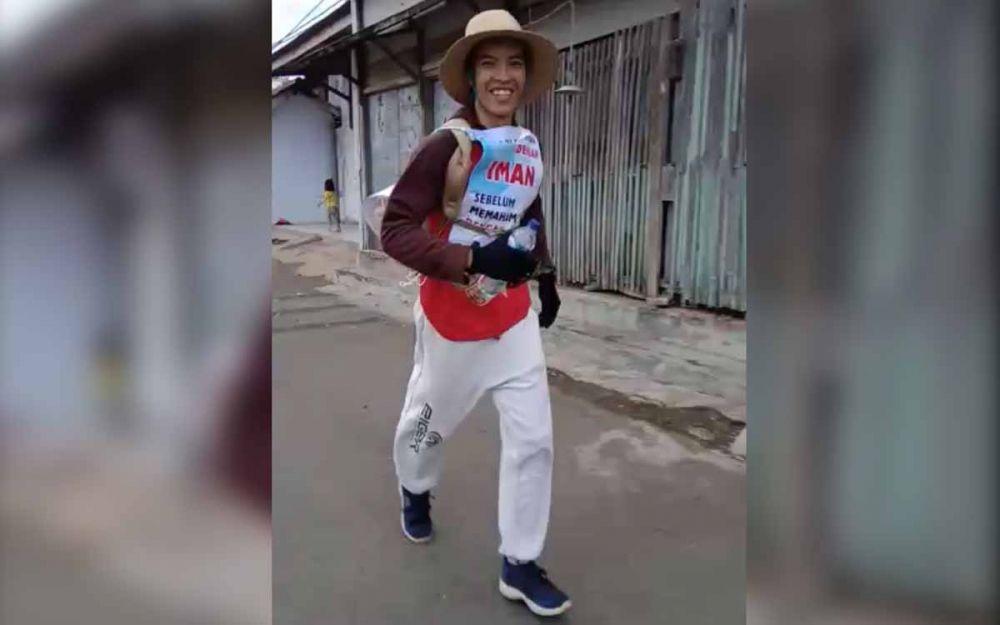 Agus Salim saat joging dari Kota Pasuruan menuju Surabaya