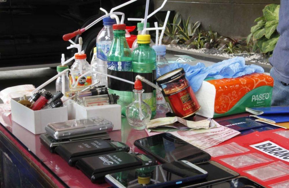 Sejumlah barang bukti disita dari 31 orang yang ditangkap akibat terlibat peredaran narkoba dan pil koplo di Tulungagung
