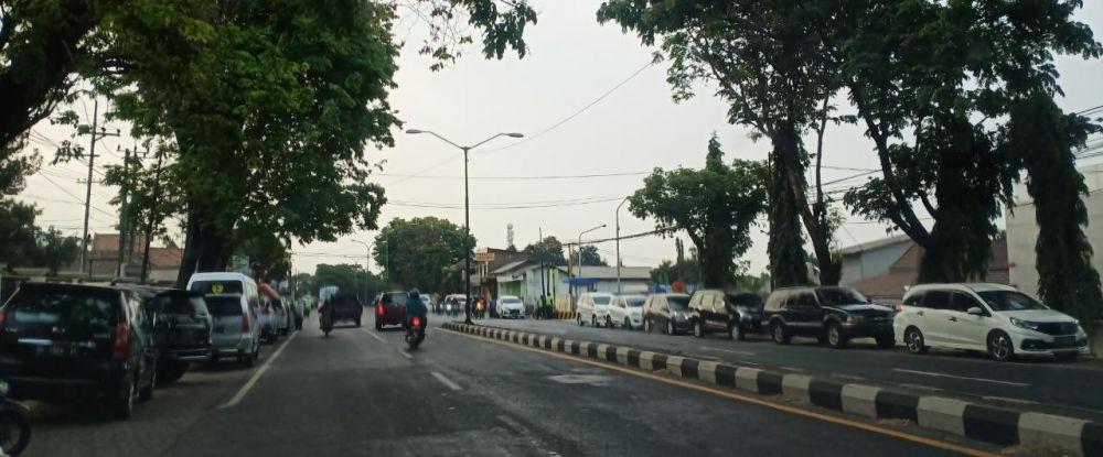 Antrean kendaraan pasien Ningsih Tinampi