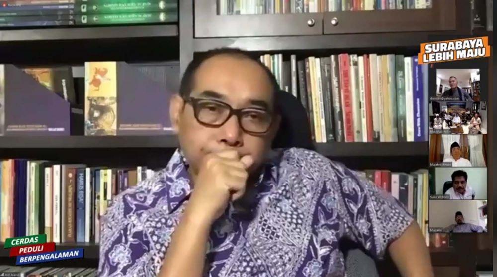 Ketua Dewan Masjid Indonesia (DMI) Surabaya Arif Afandi saat mengikuti pertemuan virtual bersama Machfud Arifin, Dahlan Iskan dan para tokoh lainnya
