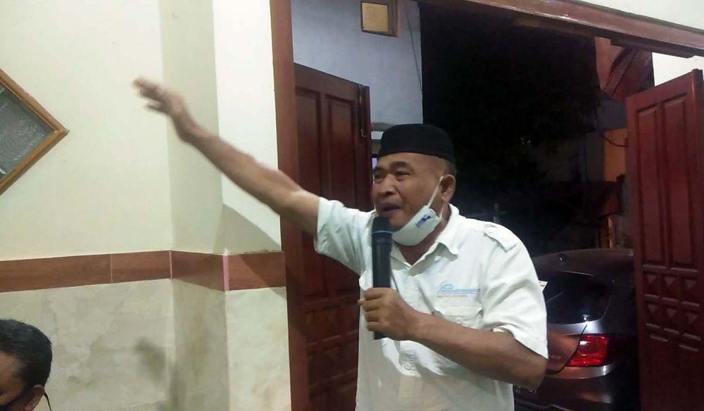 Ketua RT di Kalibutuh Barat, Kelurahan Tembok Dukuh, Arifin Hamid