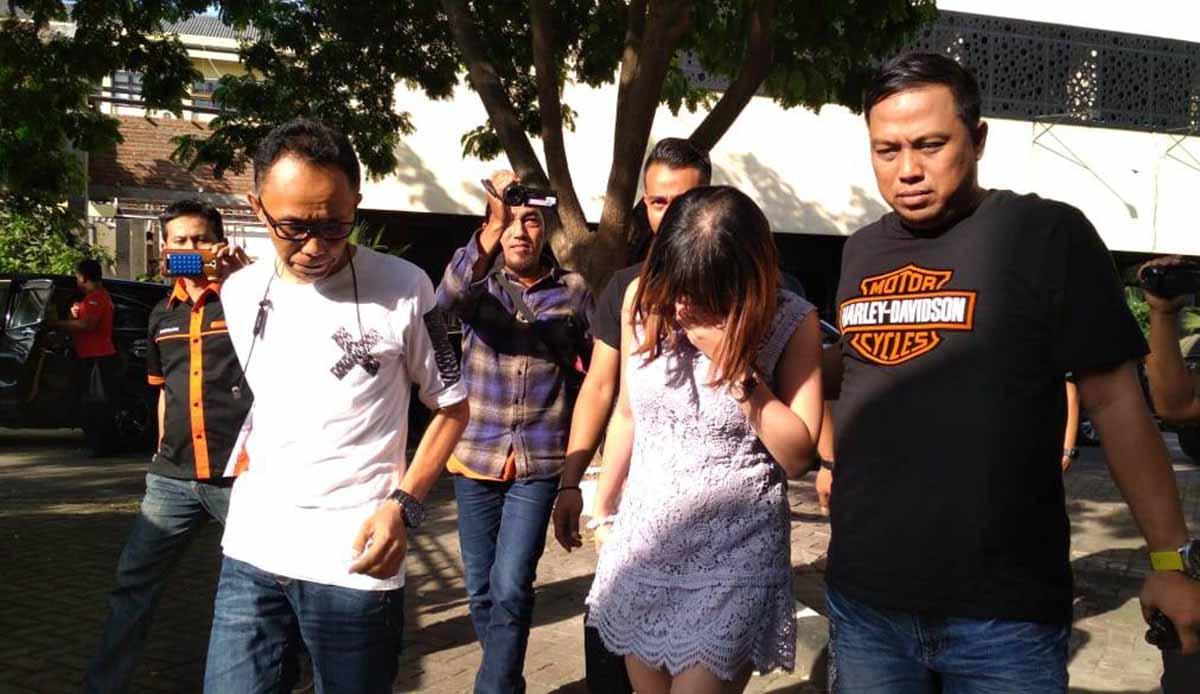 Koleksi Foto Artis artis dangdut disebut masuk 45 artis koleksi mucikari artis va & as