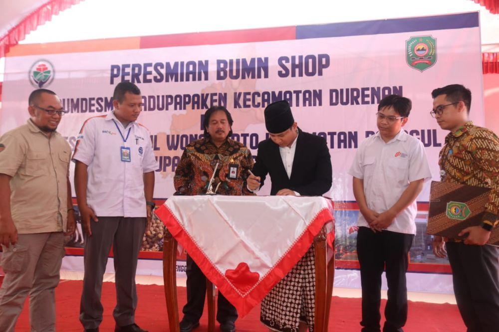 Bupati Nur Arifin meresmikan BUMN Shop, BUMDESMA di Trenggalek
