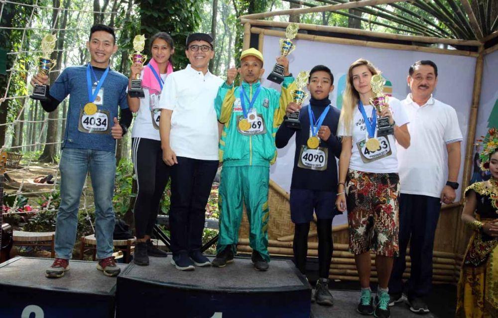 Bupati Anas bersama para pemenang
