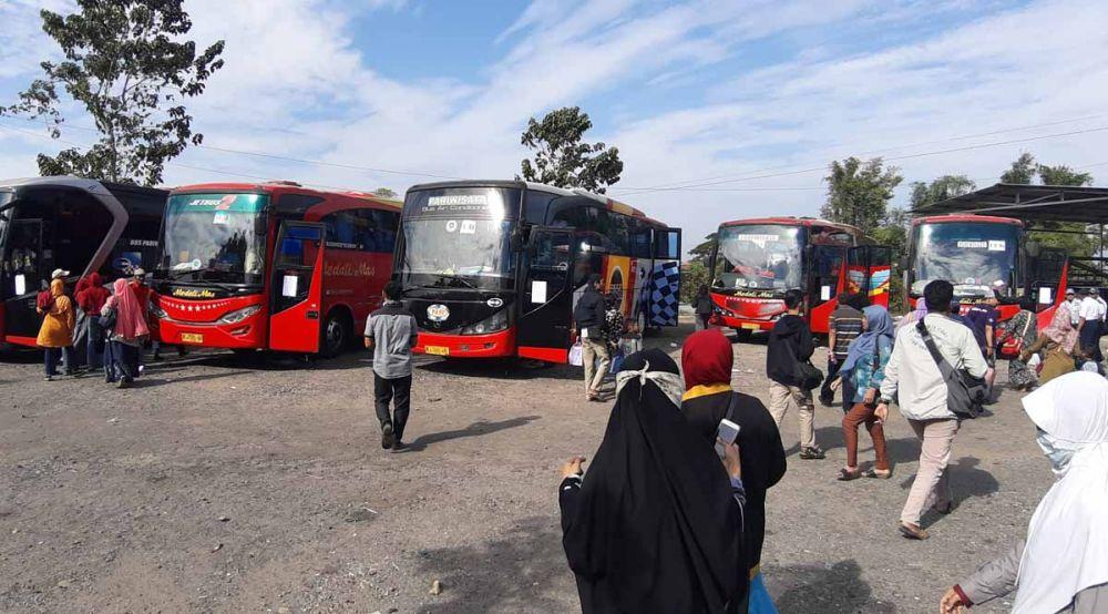 Ratusan warga Ponorogo bersiap balik ke Surabaya