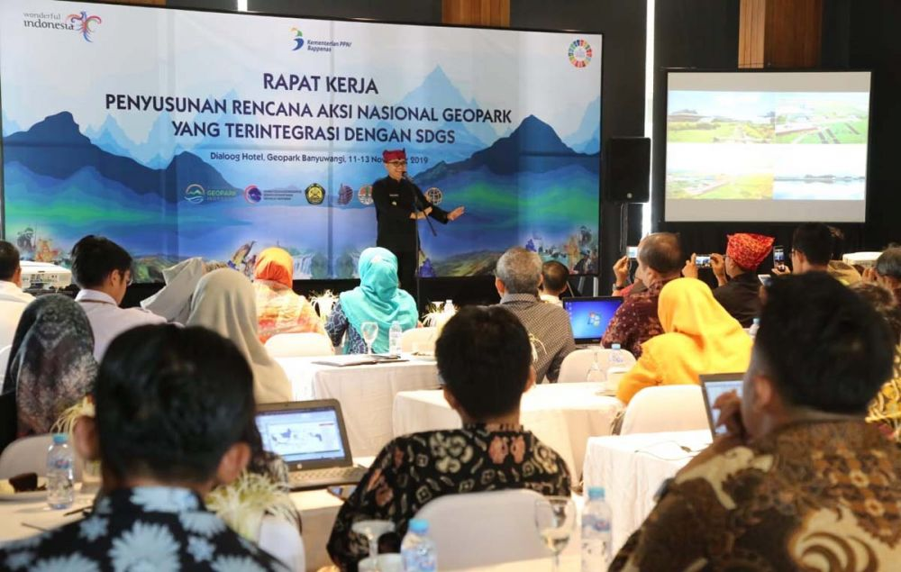 Bupati Anas dalam Rapat Kerja Bappenas untuk Penyusunan RAN Pengembangan Geopark di Banyuwangi