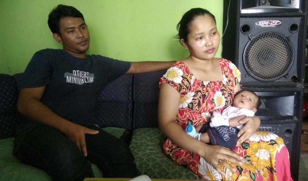Riski dan Nanik, orangtua Naufal saat ditemui di rumahnya
