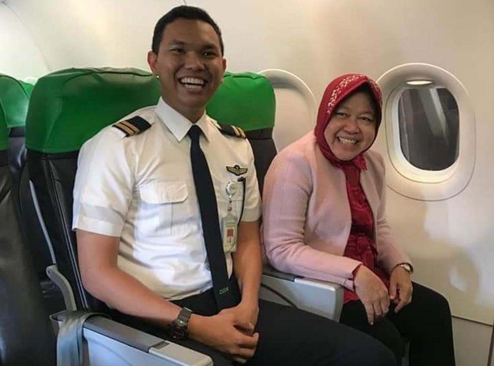Muhammad Salman Faris, satu di antara lima penerima beasiswa pilot bersama Wali Kota Risma