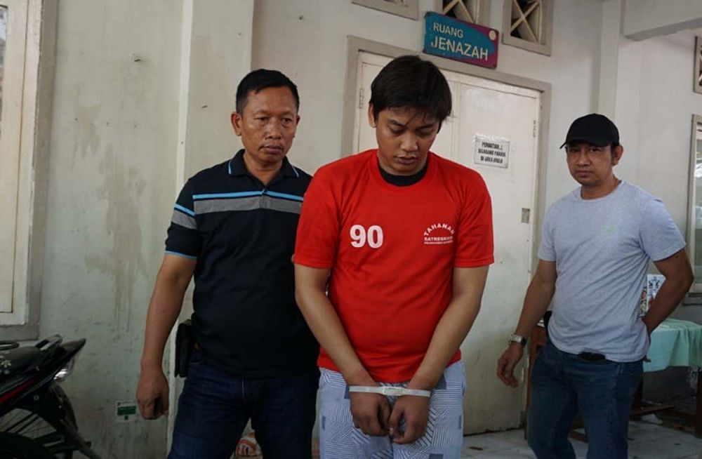 Noval, salah satu begal sadis perampas motor di Surabaya yang ditembak kakinya oleh Tim Satreskrim Polrestabes Surabaya