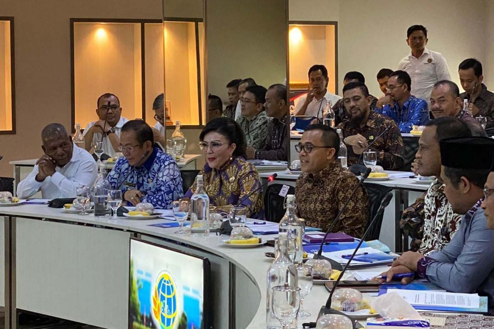 Bupati Banyuwangi Abdullah Azwar Anas bersama para kepala daerah di Indonesia di Kantor Kementrian ATR/BPN