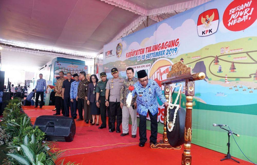 Road Show Bus KPK disambut meriah di Tulungagung