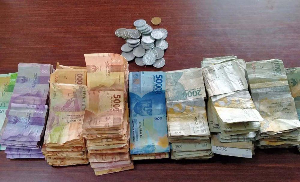 Uang kotak amal dua musala di Surabaya yang dicuri pelaku