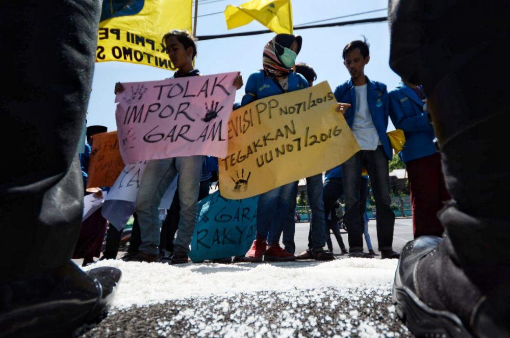 Demo Mahasiswa PK PMII Perjuangan Unitomo