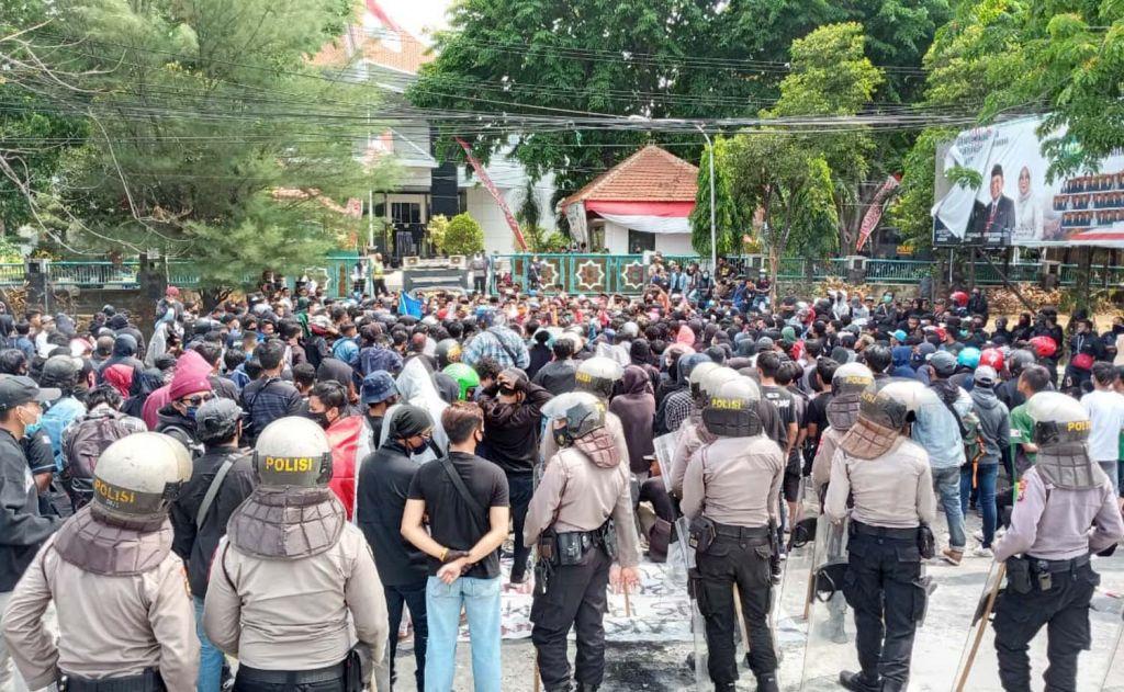 Demo tolak Omnibus Law UU Cipta Kerja di Pasuruan