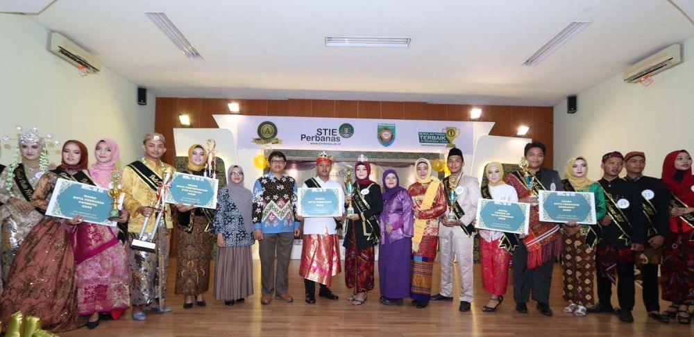 Para finalis yang tampil dalam Grand Final Duta Perbanas 2020