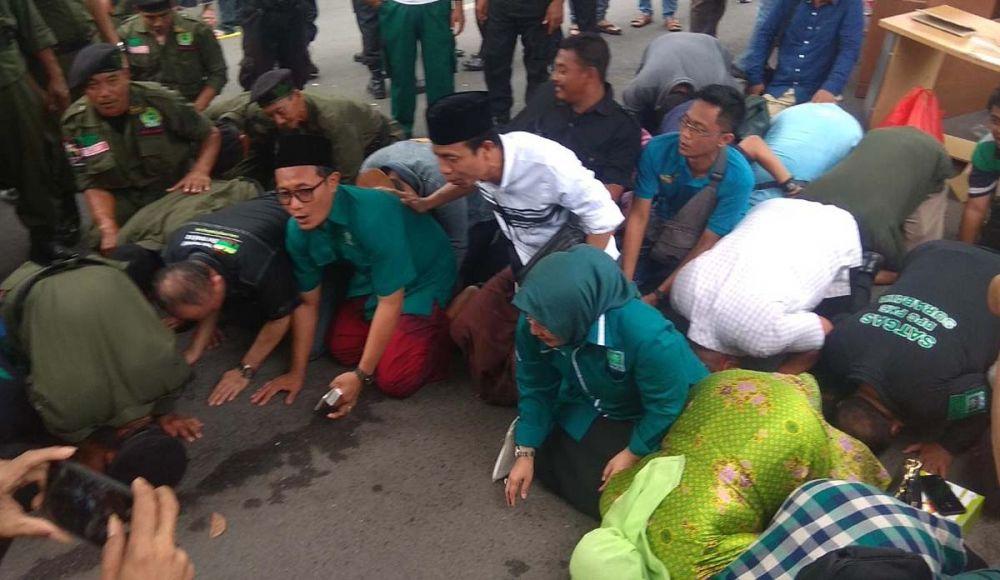 Pengurus PKB Jatim dan Surabaya sujud syukur setelah Garaha Astranawa tereksekusi