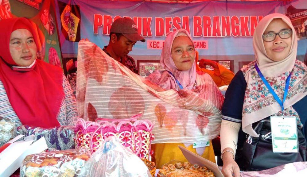 Gresik Bisa juga diisi dengan pameran produk dari berbagai kelompok PKK yang tersebar di Kabupaten Gresik