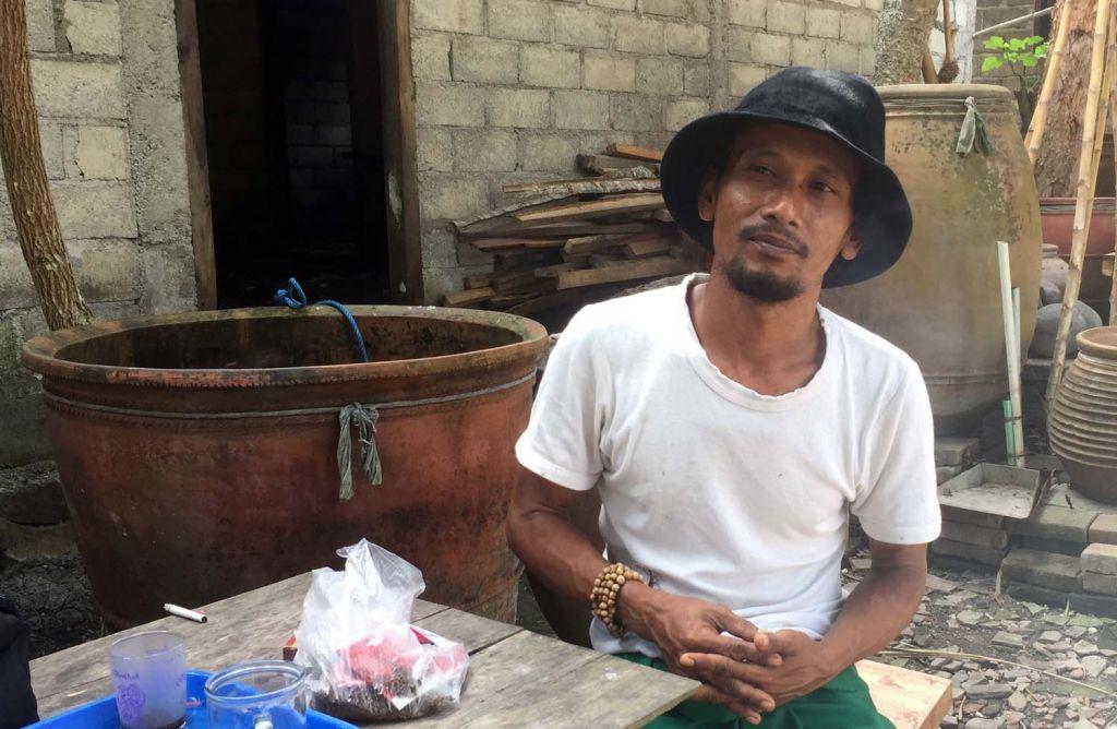 Gus Jakfar, menusia penumpuk batu di Banyuwangi