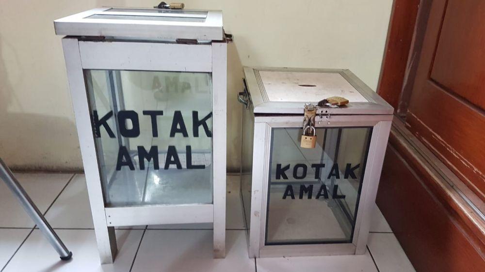 Dua kotak amal masjid yang uang di dalamnya dicuri kedua pelaku
