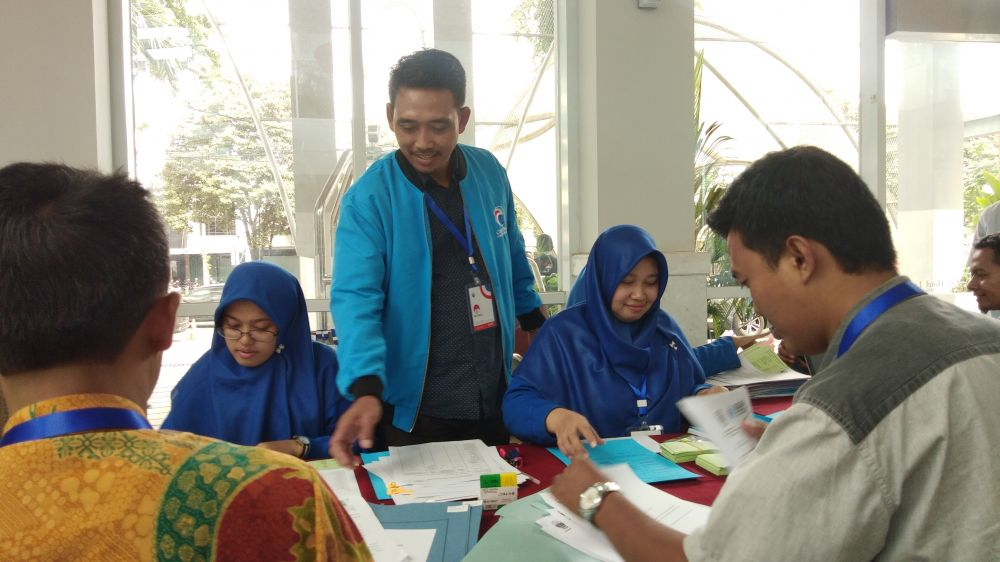 DPW Partai Gelora Jatim menyiapkan berkas pendaftaran ke Kementerian Hukum dan HAM