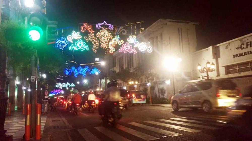 Lalu lintas di Jalan Tunjungan