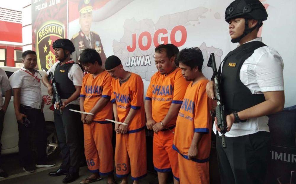 Empat orang sindikat pengganda uang abal-abal diamankan Subdit Jatanras Ditreskrimum Polda Jatim