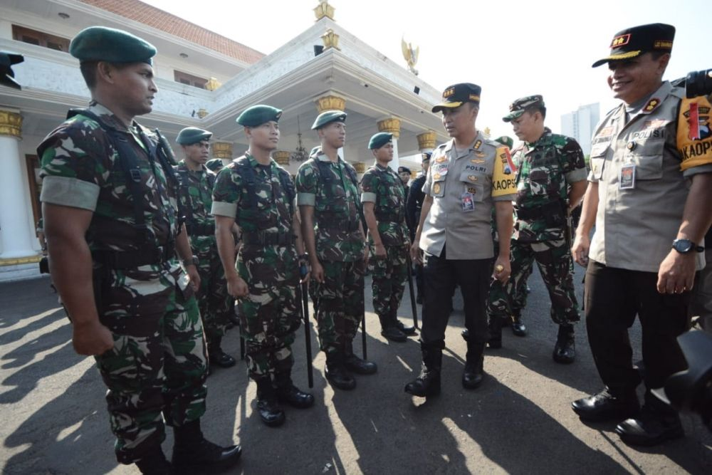 Ratusan personel TNI ikut diterjunkan