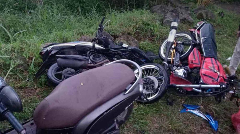Tiga motor yang terlibat kecelakaan di Pasuruan