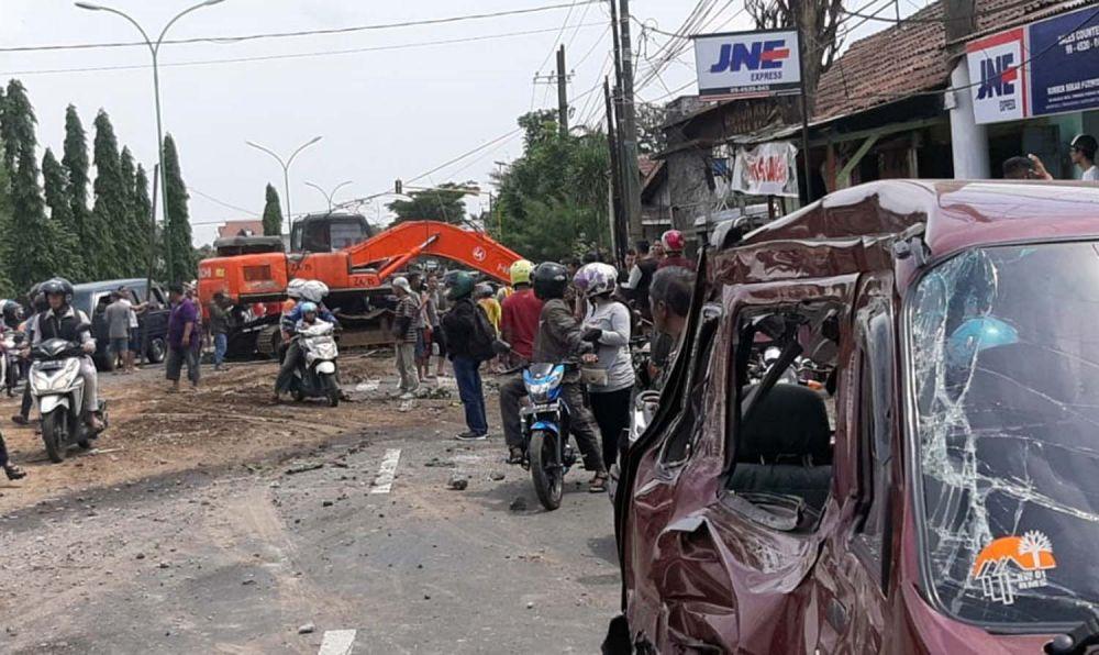 Kecelakaan beruntun di Jalan Raya Surabaya-Malang, Pasuruan
