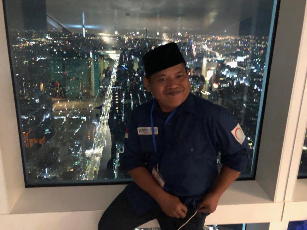Keindahan Kota Taipei dapat dilihat melalui lapiran kaca Menara 101