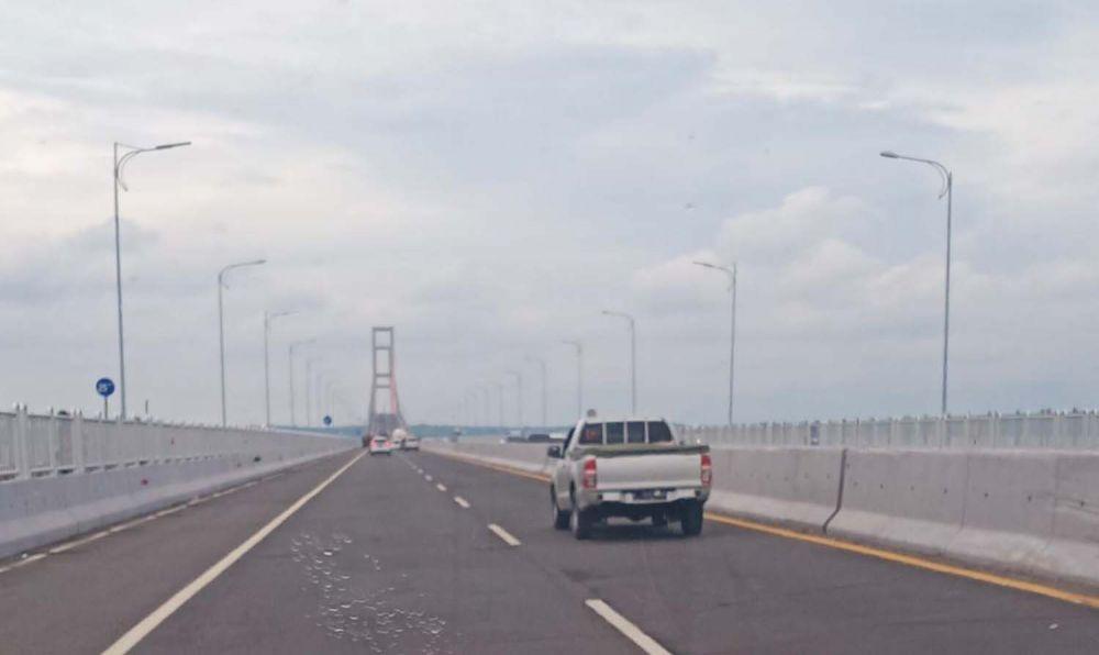 Jembatan Suramadu sisi Surabaya-Madura