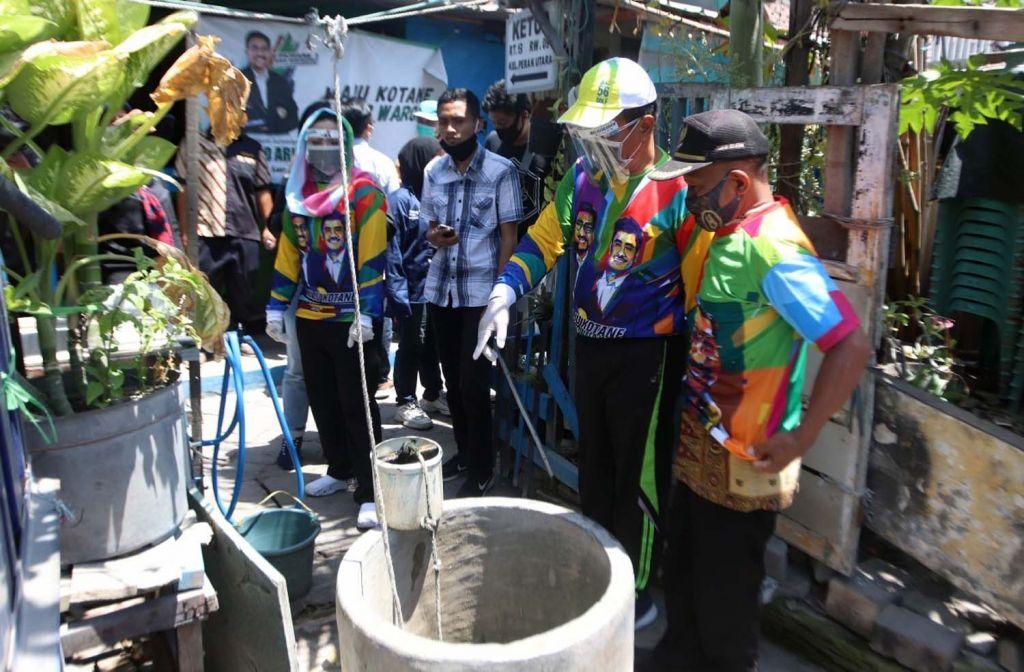 Cawawali Surabaya, Mujiaman melihat sumur yang biasa digunakan mengambil air bersih sebelum masuknya air PDAM