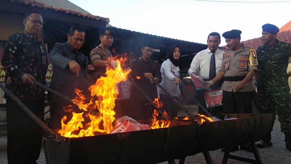 Pemusnahan barang bukti di Mapolres Mojokerto Kota