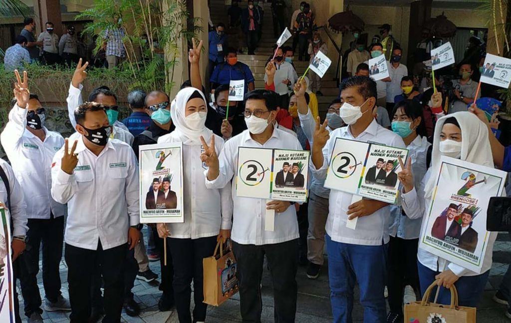 Pasangan calon nomor urut 2, Machfud Arifin-Mujiaman