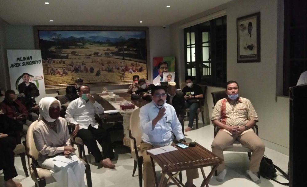 Machfud Arifin saat mengadakan pertemuan virtual bersama Dahlan Iskan dan para tokoh lainnya