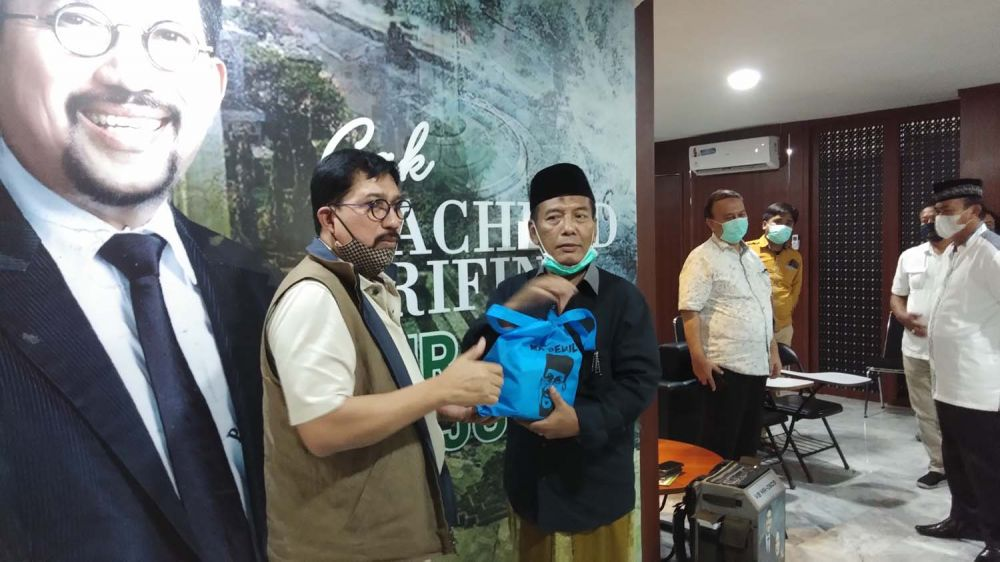 Machfud Arifin bersama perwakilan RW yang tergabung dalam Gerakan Relawan Machfud Arifin Sukses Wali Kota Surabaya (GERMAS)