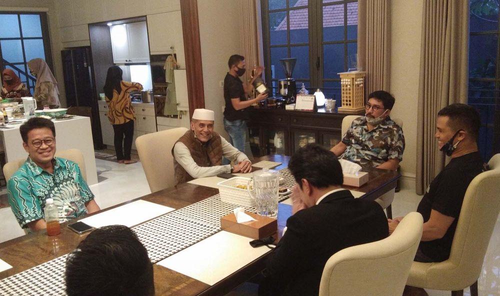 Habib Hasan Mulachela saat bersilaturahmi dengan Calon Wali Kota Surabaya Irjen Pol (Purn) Machfud Arifin