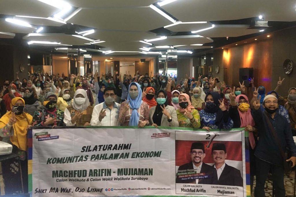 Calon Wali Kota Machfud Arifin bersama para pelaku UMKM di Surabaya yang tergabung dalam Pahlawan Ekonomi