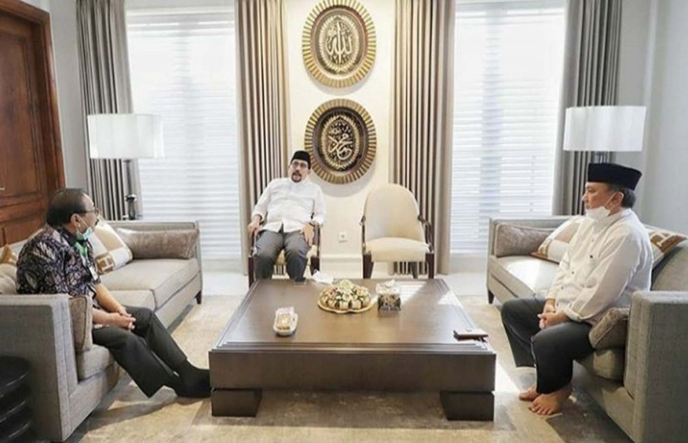 Pakde Karwo saat bersilaturahmi ke kediaman Calon Wali Kota Surabaya Machfud Arifin