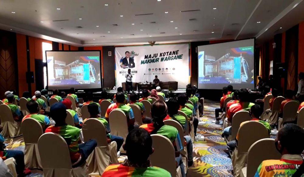 Machfud Arifin memaparkan master plan Surabaya ke depan di hadapan pengurus RT-RW se Kecamatan Tegasari