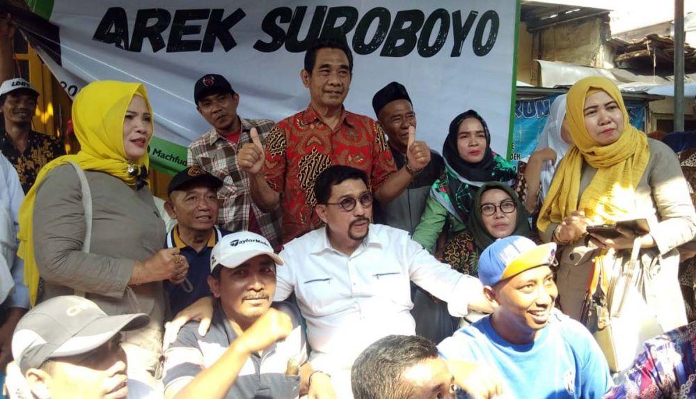 Machfud Arifin bersama warga Krembangan Jaya Selatan RW VII, Surabaya