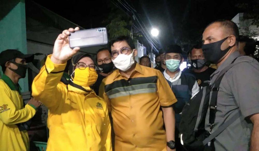 Calon Wali Kota Surabaya Machfud Arifin saat menyapa kader Golkar dan warga Ngagel Rejo