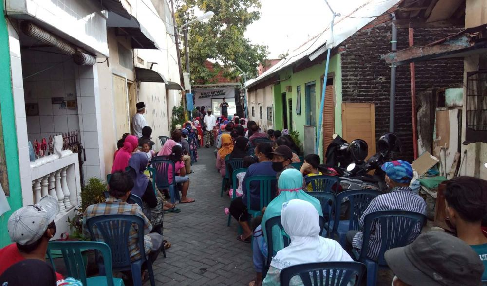 Calon Wali Kota Surabaya Machfud Arifin saat menyapa warga Rangkah, Tambaksari