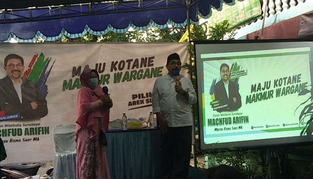 Calon Wali Kota Surabaya Machfud Arifin saat menyapa kader PPP dan warga Wonokromo