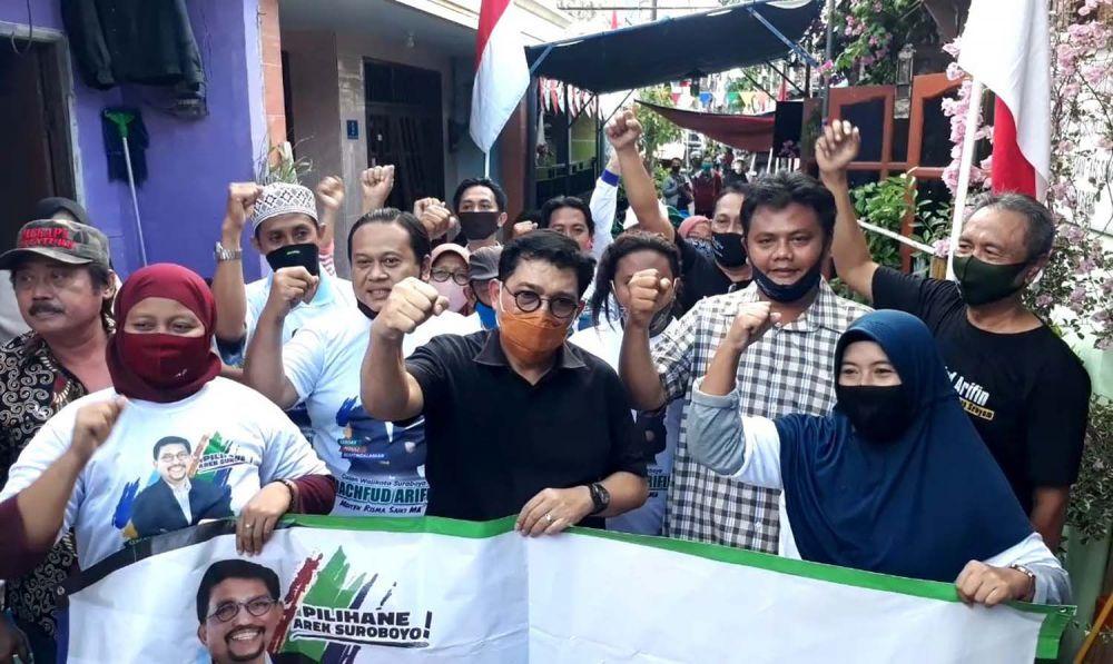Cawali Machfud Arifin saat menyapa warga Jalan Putat Jaya Barat, wilayah eks lokalisasi Jarak-Dolly