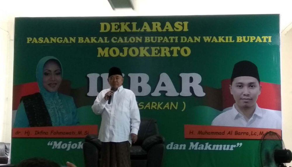 KH Asep Saifuddin Chalim atau Kiai Asep hadir dalam deklarasi pasangan Ikbar yang maju dalam Pilbup Mojokerto 2020