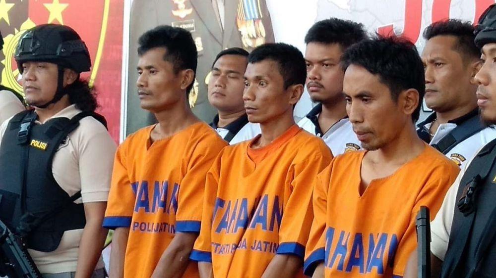 Tiga dari tujuh tersangka pembunuhan di Pasuruan yang berhasil ditangkap