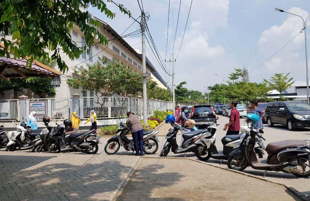 Para santri Ponpes Tebuireng Jombang mulai dijemput orangtuanya
